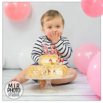 Séance photo smash the cake en Studio