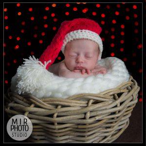 Séance photo nouveau-né à Noël au Studio