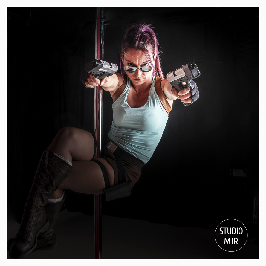 pole dance yomb raider