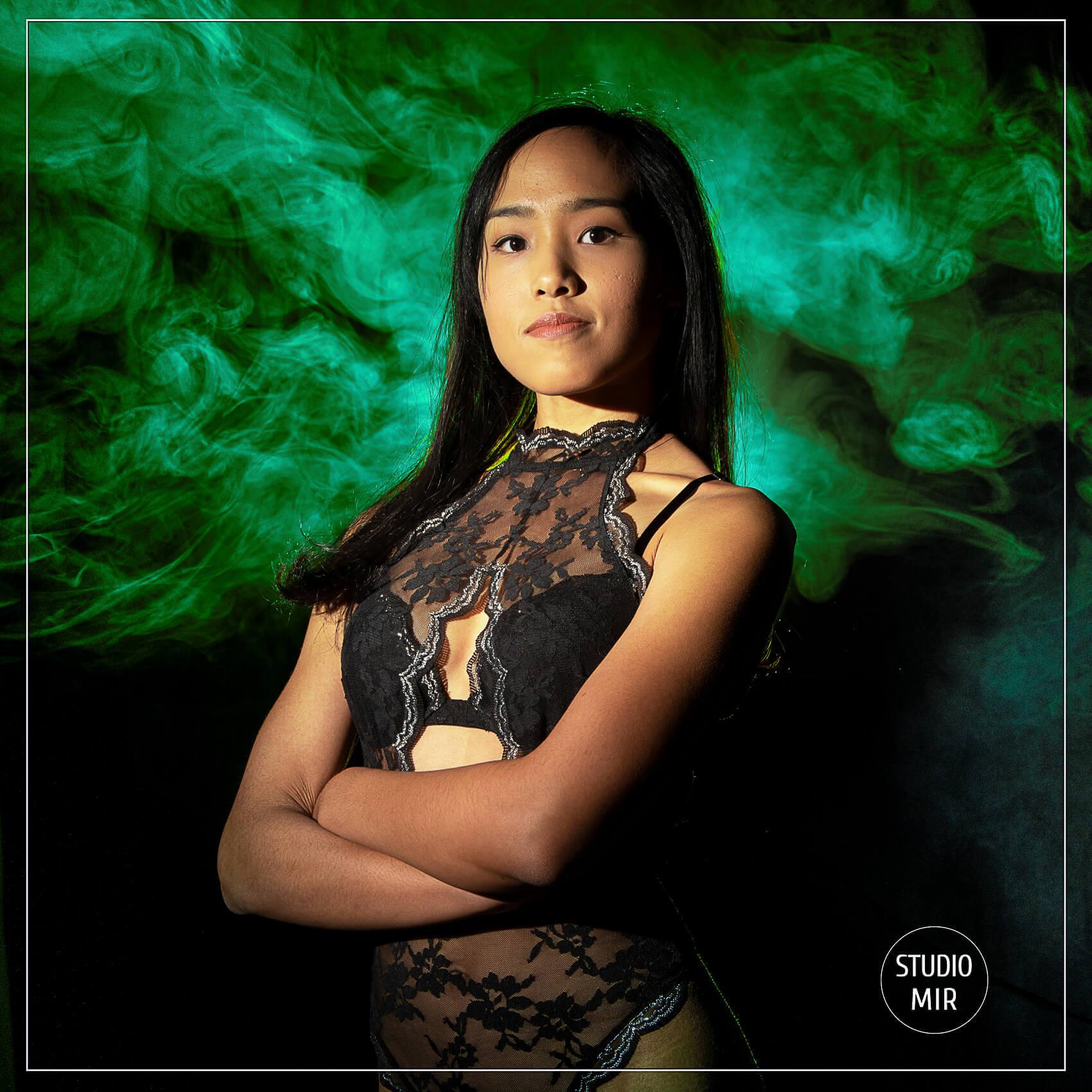 19-09-portrait-smoke-mir-1
