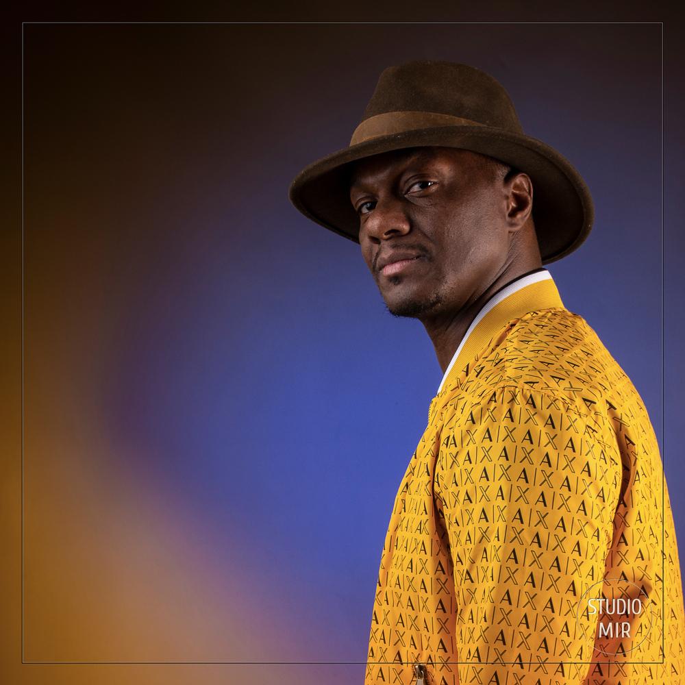 Photographe professionnel proche de Paris: chanteur pour sa pochette d'album