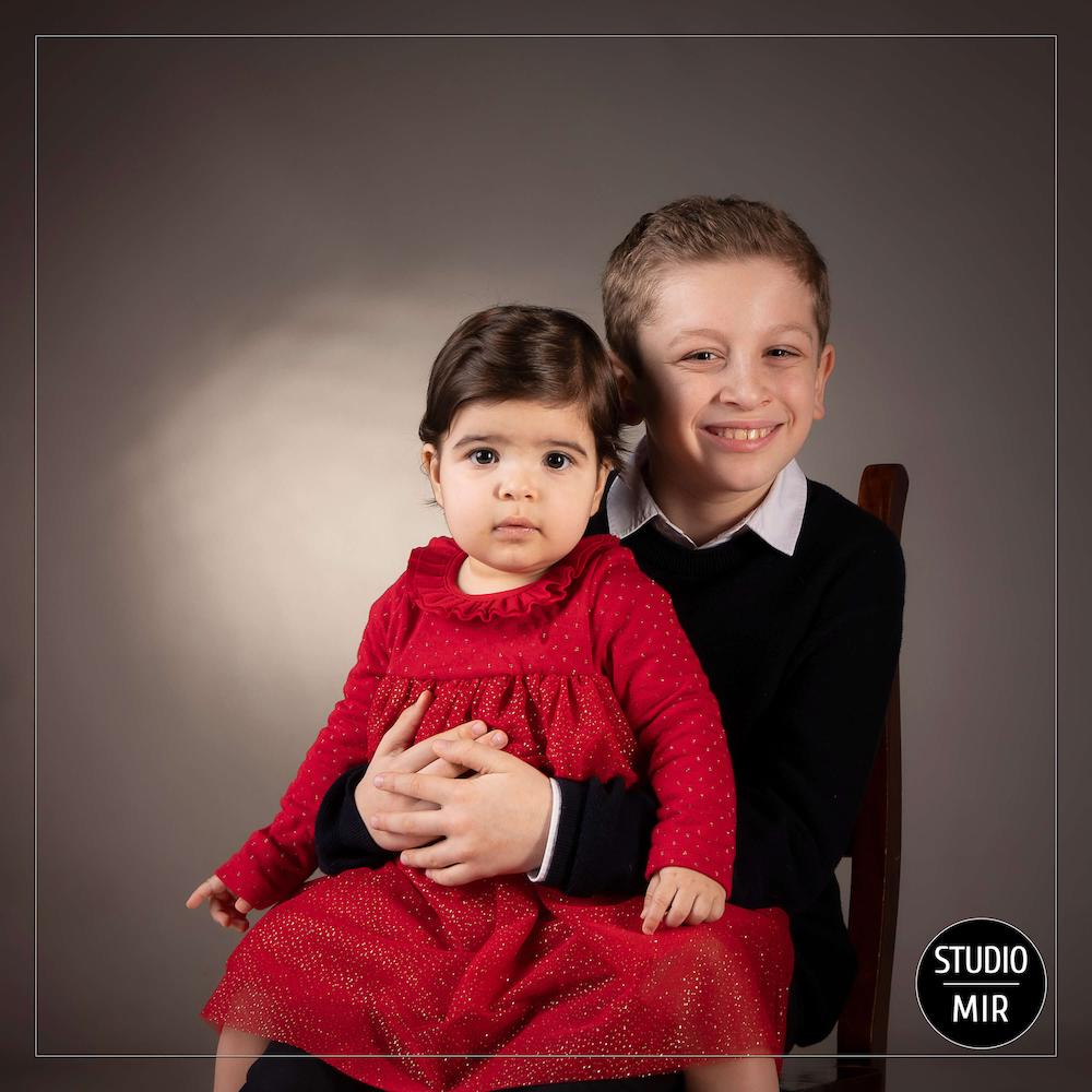 Photographe de famille : shooting frère et sœur à Saint-Maur des Fossés