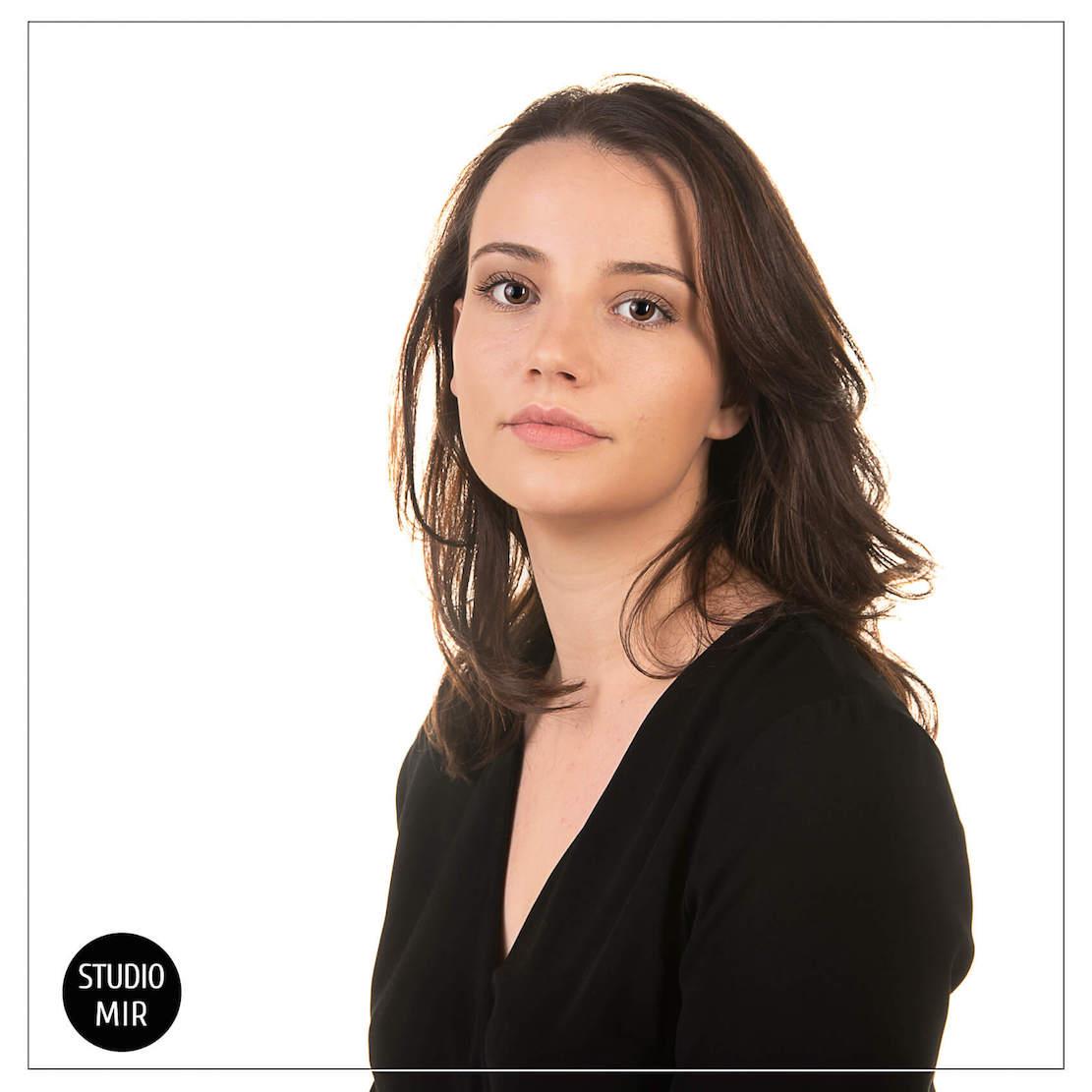 Séance photo professionnelle en studio pour agrémenter votre CV dans le Val de Marne