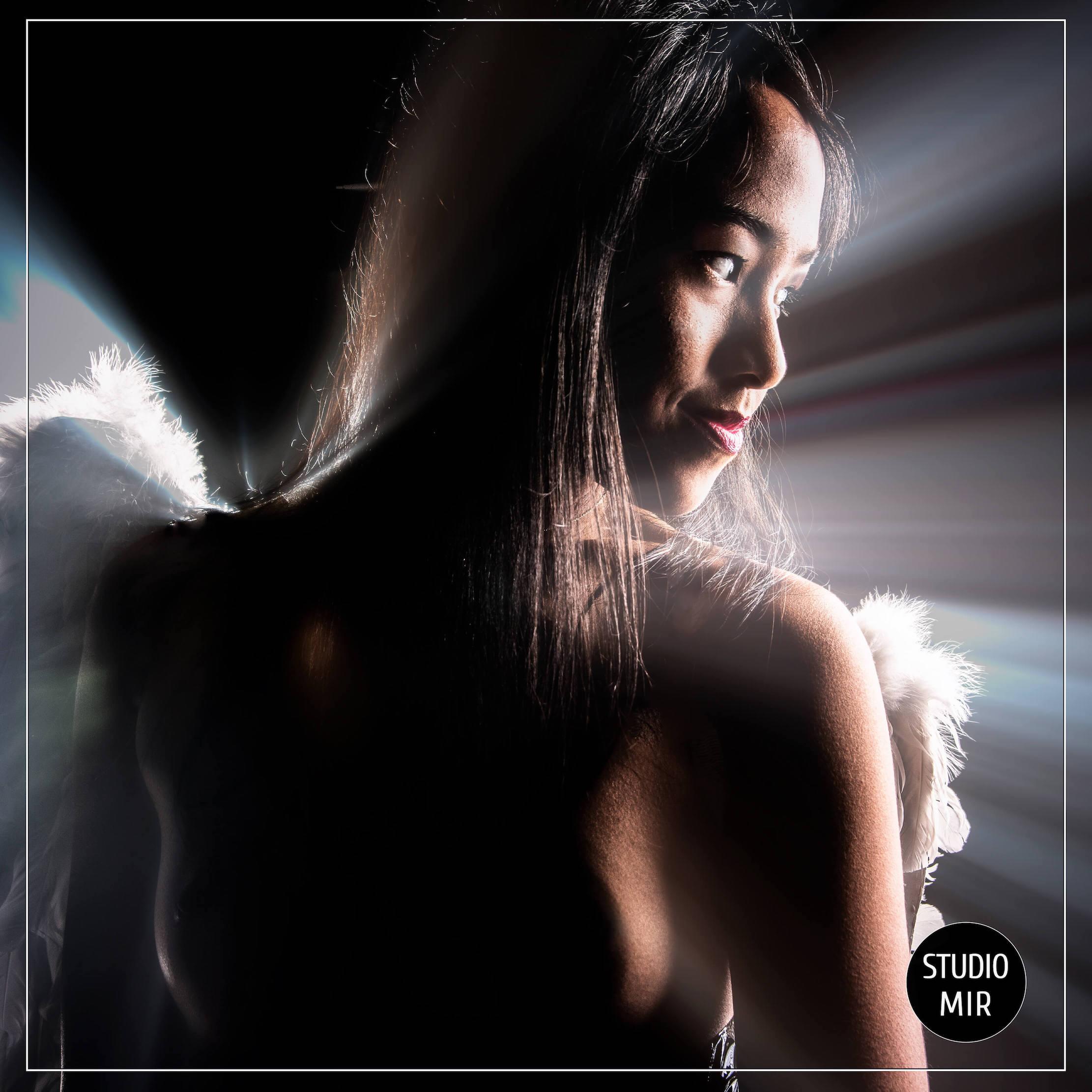 Photographe Boudoir : Séance photo sur le thème des anges à Saint Maur des Fossés