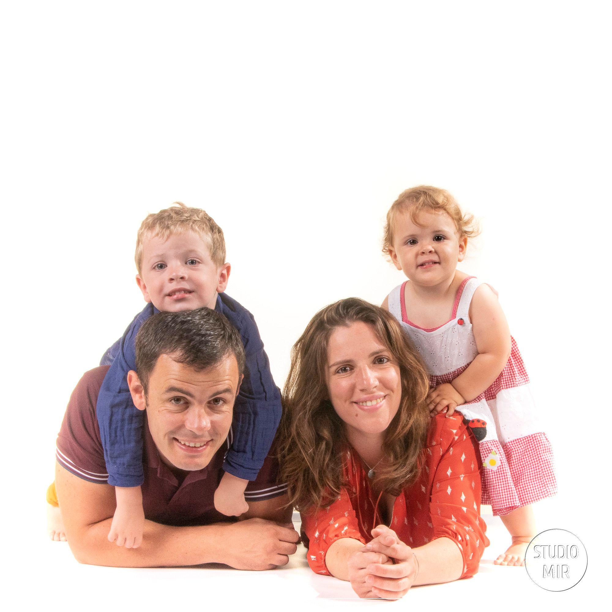 Idée cadeau : Séance photo en famille dans un studio photo professionnel à Saint Maur des Fossés près de Paris