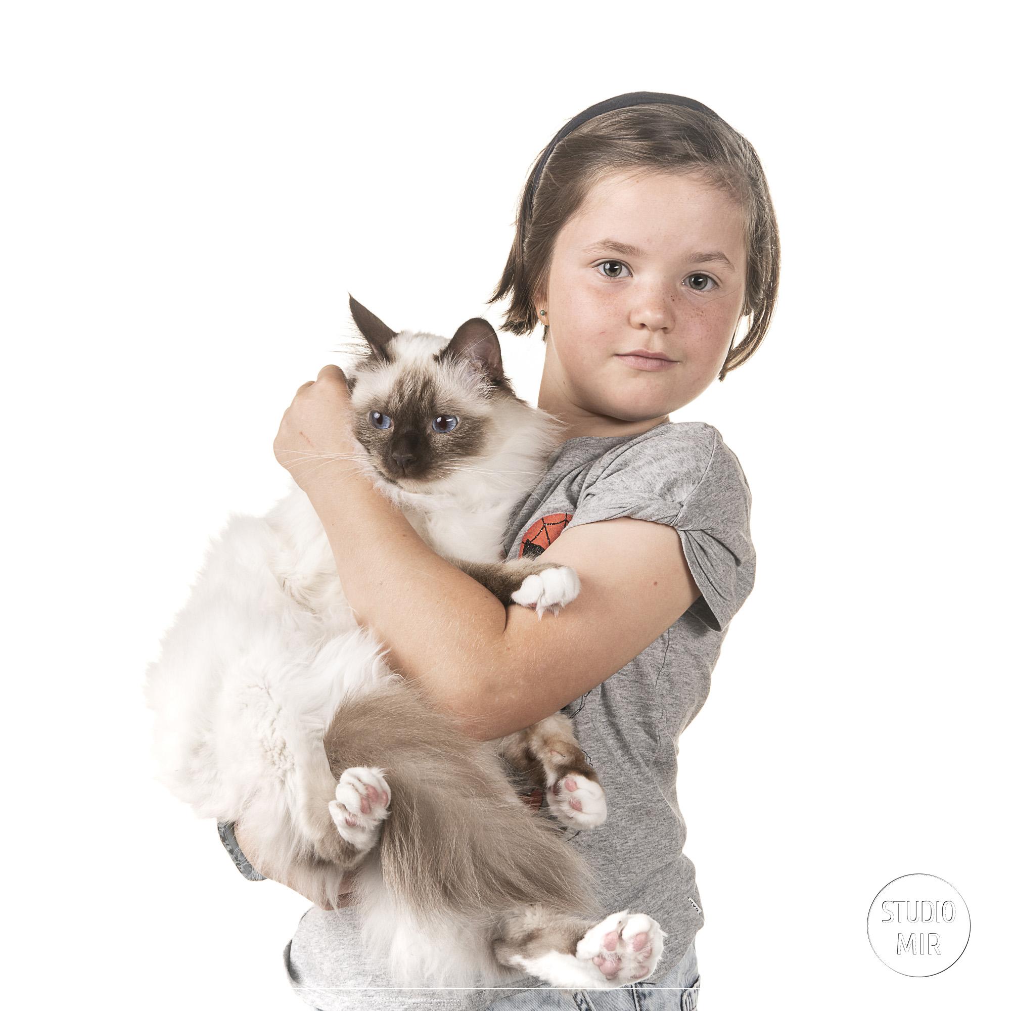 Idée cadeau de noël originale : une séance photo en famille avec animal de compagnie en région parisienne
