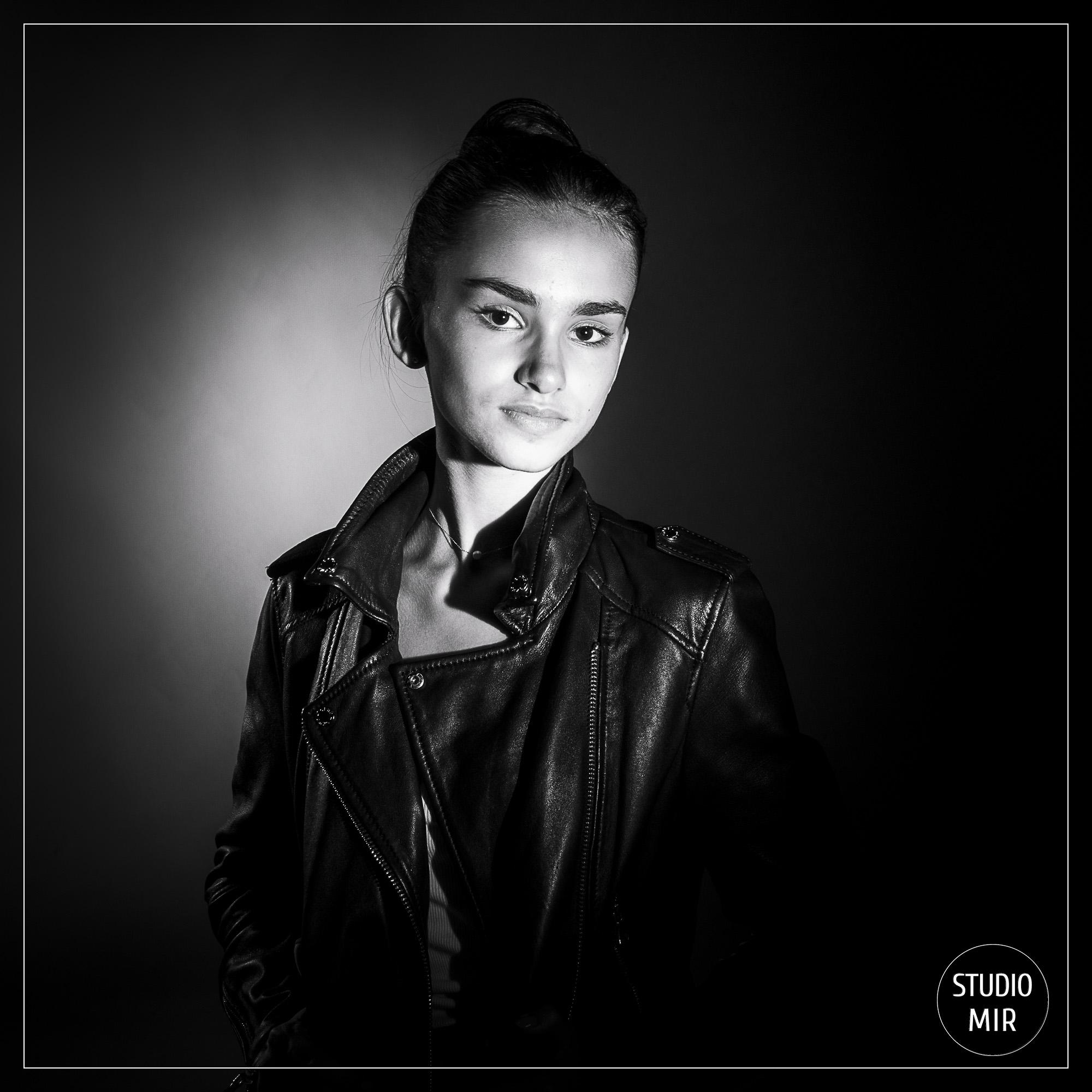 Idée cadeau Noel pour une ado : Un shooting photo en studio en région parisienne