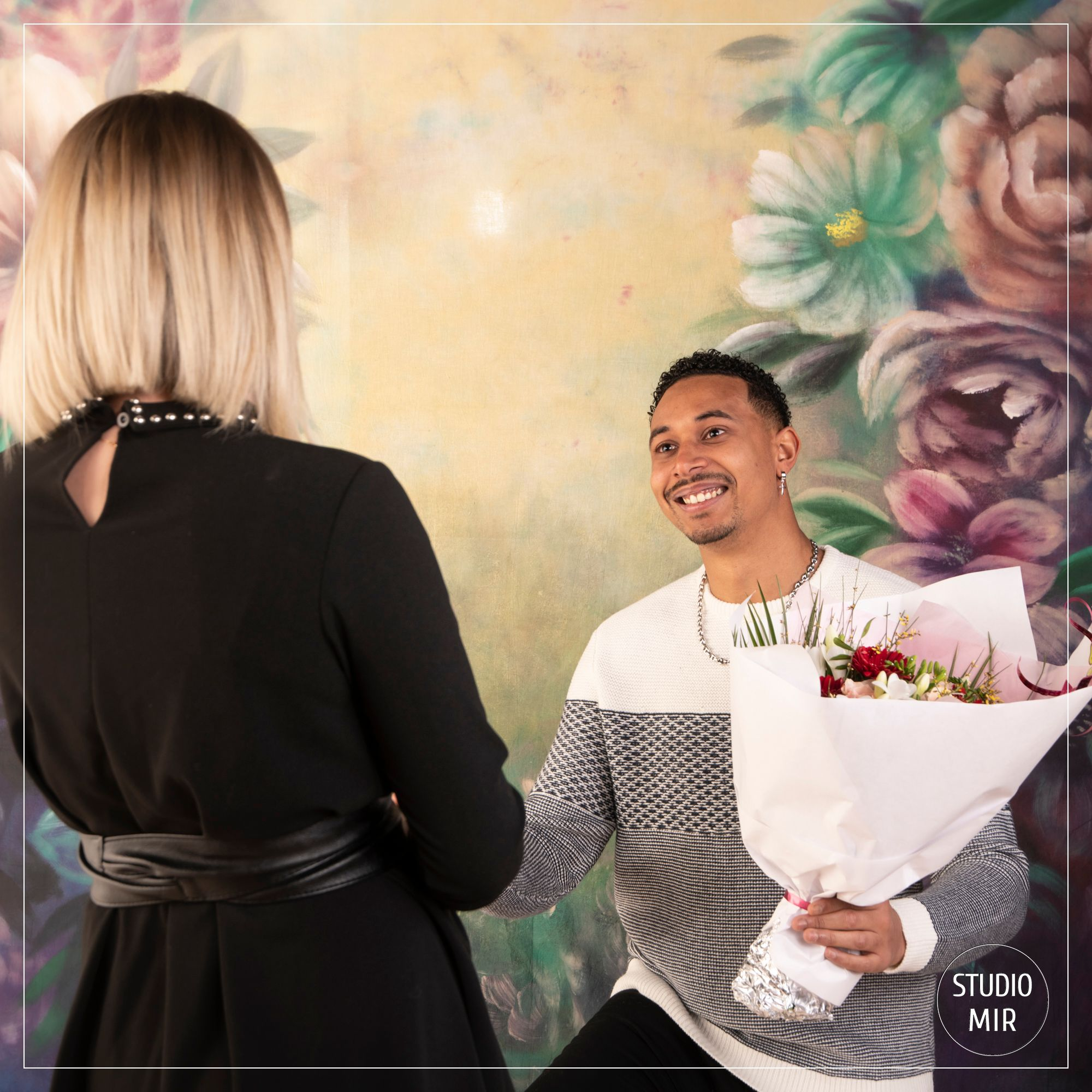 Demande en mariage lors d'un shooting photo en couple dans le Val de Marne